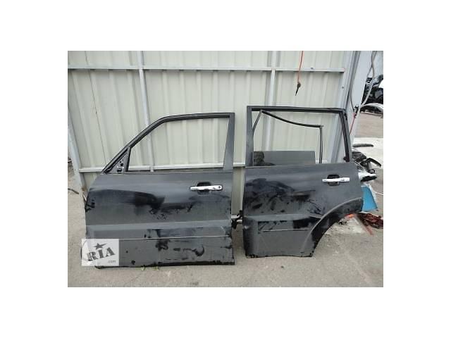 купить бу Б/у дверь передняя для легкового авто Mitsubishi Pajero Wagon в Ровно