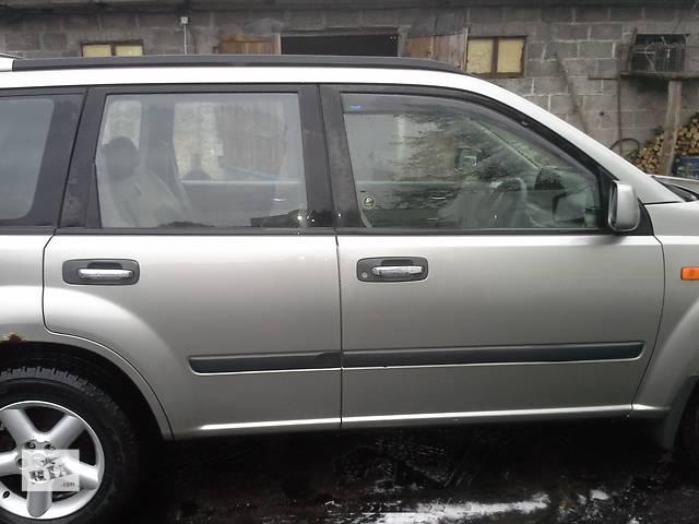 продам Б/у дверь передняя для легкового авто Nissan X-Trail бу в Ровно