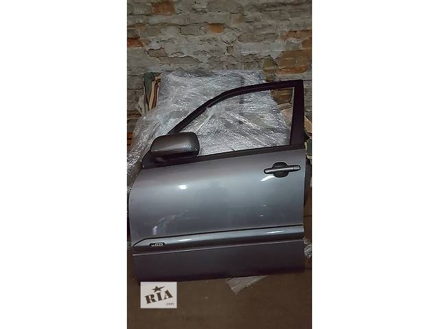 бу Б/у дверь передняя для легкового авто Suzuki Grand Vitara в Ровно