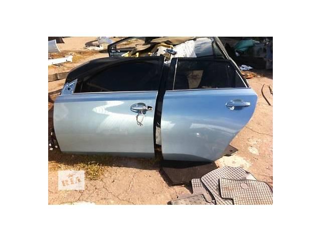 продам Б/у дверь передняя для легкового авто Toyota Auris бу в Ровно