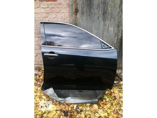 купить бу Б/у дверь передняя для легкового авто Toyota Camry 50 55 комплектная краска 218  в Киеве
