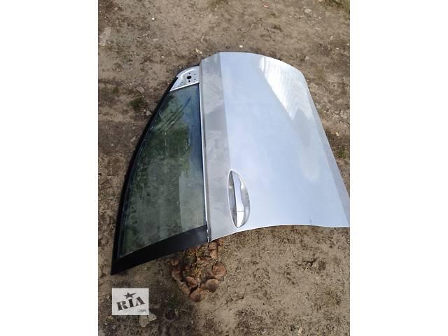 продам Б/у дверь передняя для легкового авто Toyota Corolla бу в Ровно