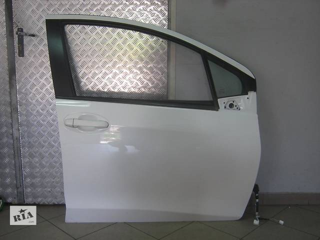 бу Б/у дверь передняя для легкового авто Toyota Yaris в Чернигове