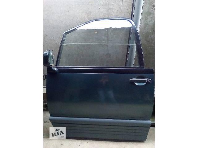 купить бу Б/у дверь передняя для минивена Toyota Previa 1993 в Херсоне