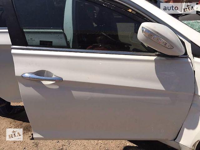 продам Б/у дверь передняя для седана Hyundai Sonata 2011 бу в Киеве