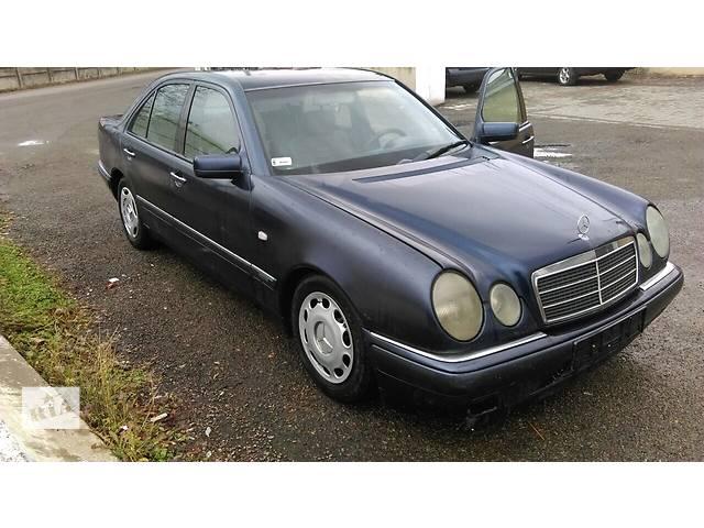 продам Б/у дверь передняя для седана Mercedes E-Class бу в Стрые