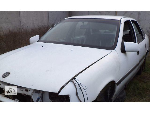 купить бу Б/у дверь передняя левая и правая для седана Opel Vectra A 1990 в Киеве