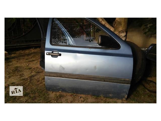 купить бу Б/у дверь передняя для седана Volkswagen Golf III в Герце