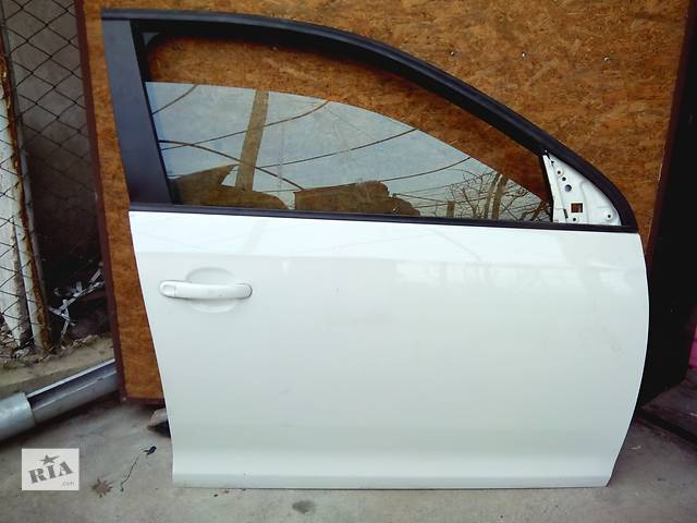 Б/у дверь передняя для седана Volkswagen Jetta- объявление о продаже  в Николаеве