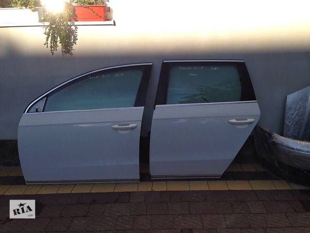купить бу Б/у дверь передняя для универсала Volkswagen Passat B7 в Львове