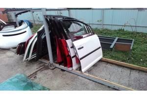 б/у Двері передні Volkswagen Caddy