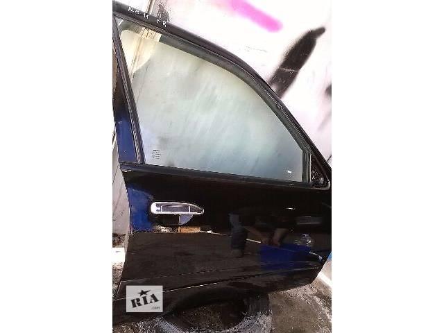 купить бу Б/у дверь передняя правая для седана Nissan Primera P 11 2000г в Николаеве