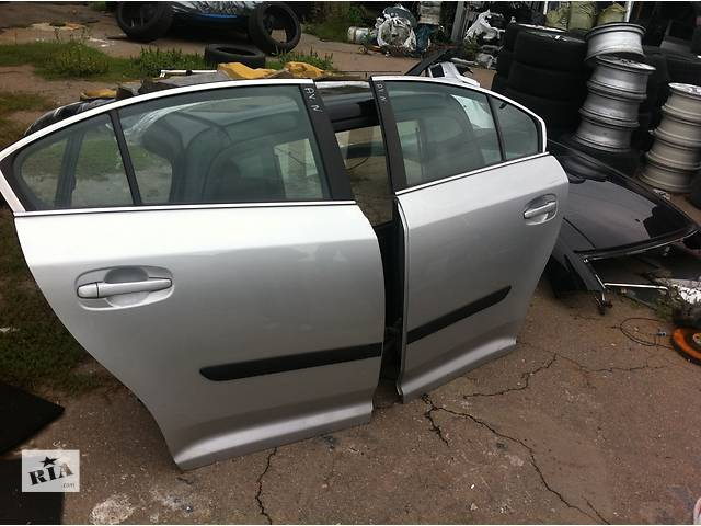 продам Б/у дверь передняя  Toyota Avensis бу в Киеве