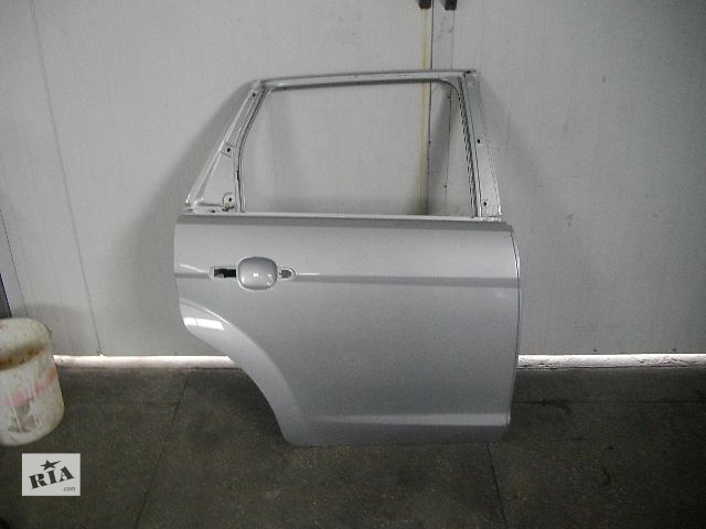 купить бу Б/у дверь задняя для легкового авто Ford Focus 2009 в Львове