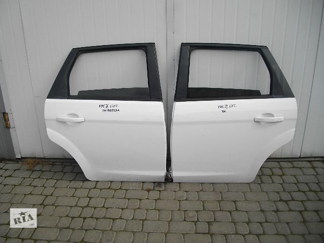 продам Б/у дверь задняя для легкового авто Ford Focus 2010 бу в Львове