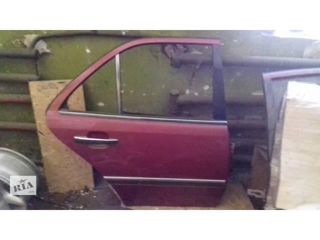 купить бу Б/у дверь задняя для легкового авто Mercedes C-Class в Каменском (Днепропетровской обл.) (Днепродзержинск)
