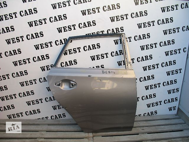 купить бу Б/у дверь задняя для легкового авто Toyota Auris 2012 в Луцке