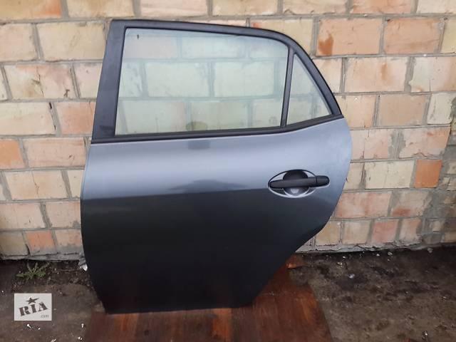продам Б/у дверь задняя для легкового авто Toyota Auris бу в Киеве
