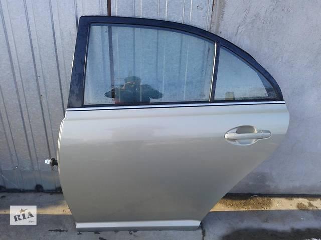 купить бу Б/у дверь задняя для легкового авто Toyota Avensis в Ровно