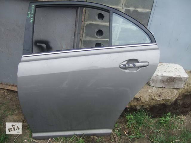 продам Б/у дверь задняя для легкового авто Toyota Avensis бу в Ровно