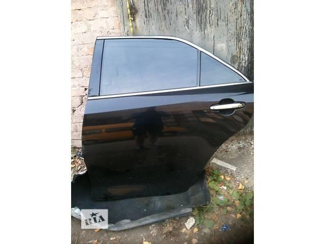 продам Б/у дверь задняя для легкового авто Toyota Camry 50 55 цвет 218 идеальная  бу в Киеве