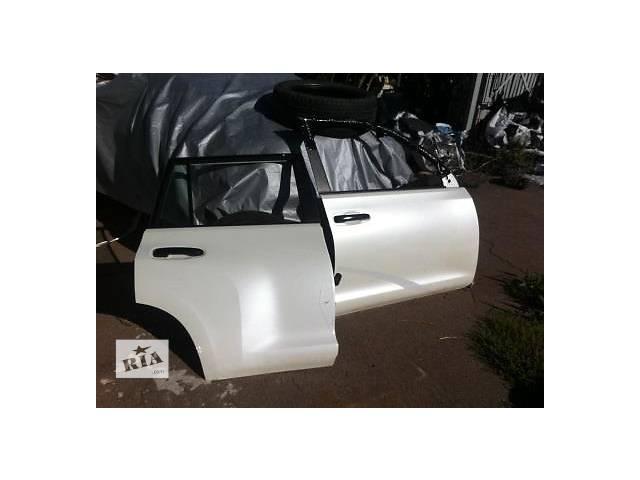 купить бу Б/у дверь задняя для легкового авто Toyota Land Cruiser Prado 150 в Ровно