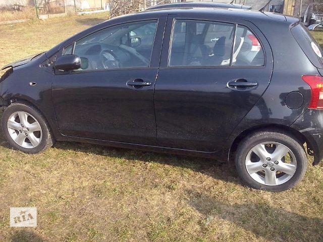 купить бу Б/у дверь задняя для легкового авто Toyota Yaris  в Украине