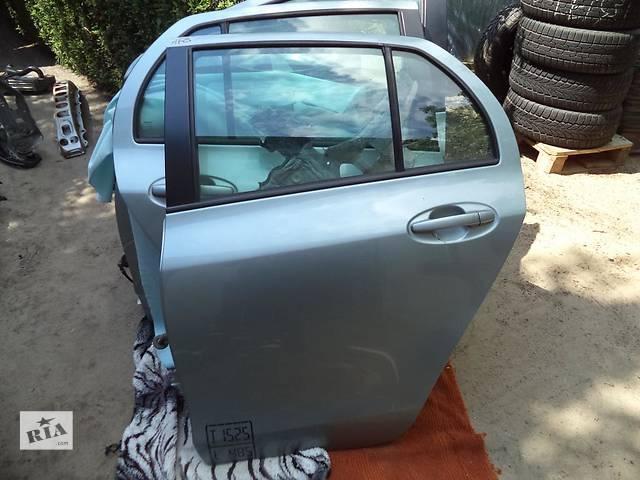 продам Б/у дверь задняя для легкового авто Toyota Yaris бу в Чернигове