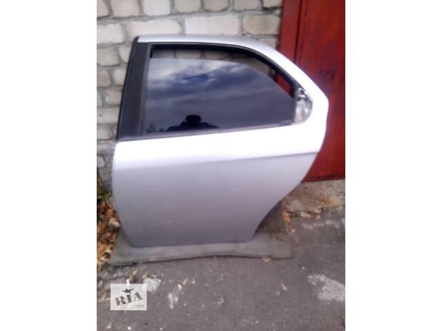 купить бу Б/у дверь задняя для седана Alfa Romeo 156 в Киеве