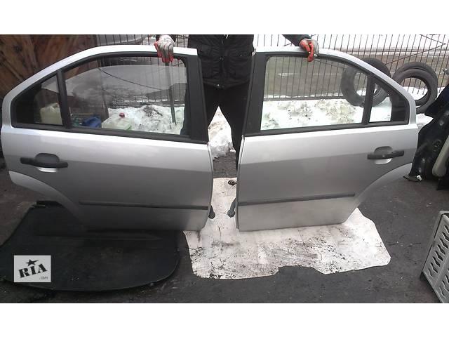продам Б/у дверь задняя для седана Ford Mondeo Mk 3 бу в Ковеле