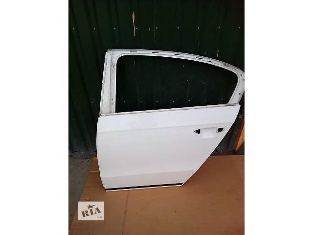 бу Б/у дверь задняя для седана Volkswagen Passat B7 в Луцке
