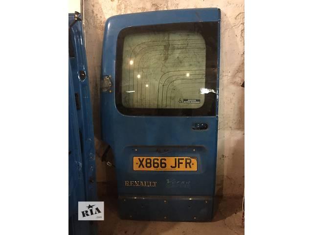 Б/у дверь задняя левая правая низкая для легкового авто Renault Master 97-10- объявление о продаже  в Ужгороде