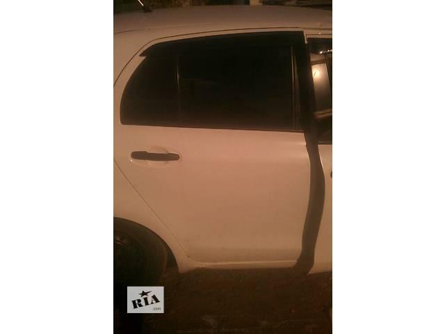 бу Б/у дверь задняя правая 67003-0D110 для хэтчбека Toyota Yaris 2007г в Николаеве