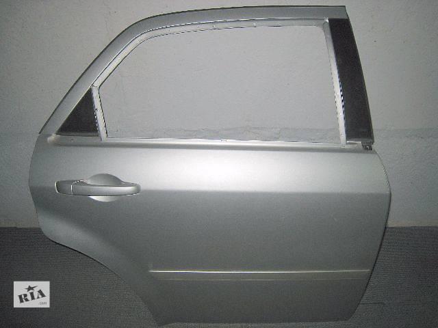 купить бу Б/у дверь задняя правая для седана Chrysler 300 С 2005-2010 в Киеве
