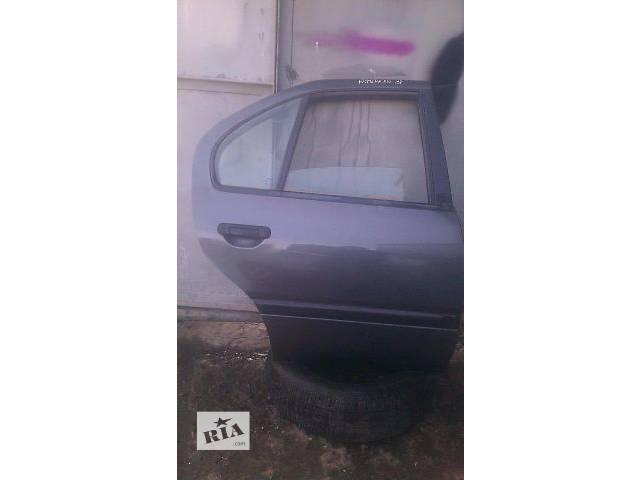 Б/у дверь задняя правая для седана Nissan Primera P 10 1993г- объявление о продаже  в Николаеве
