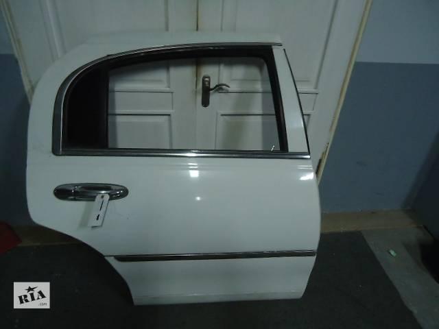 купить бу Б/у дверь задняя (правая, левая) для легкового авто Lincoln Town Car 1998-2002 в Киеве