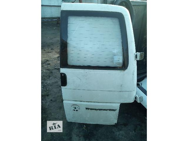 бу Б/у дверь задняя правая под стекло для легкового авто Volkswagen T4 (Transporter) в Ковеле