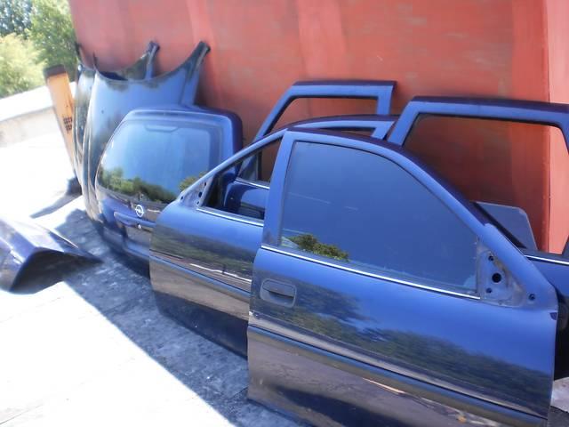 Б/у дверь передняя для универсала Opel Vectra B- объявление о продаже  в Новом Роздоле