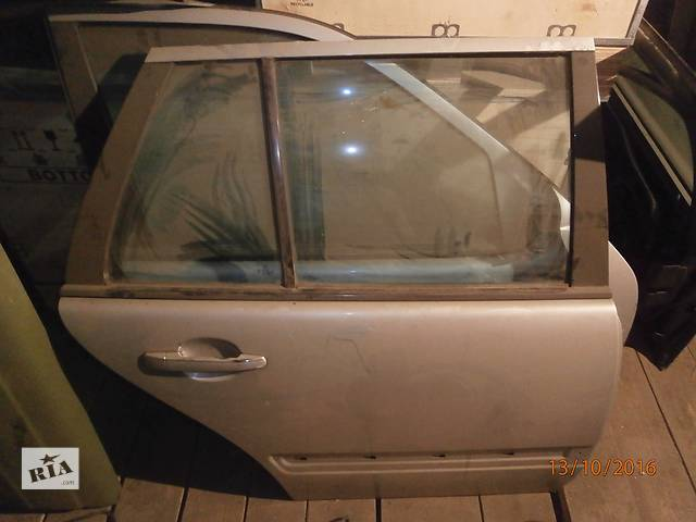 Б/у двері задні для седана Mercedes 124- объявление о продаже  в Львове