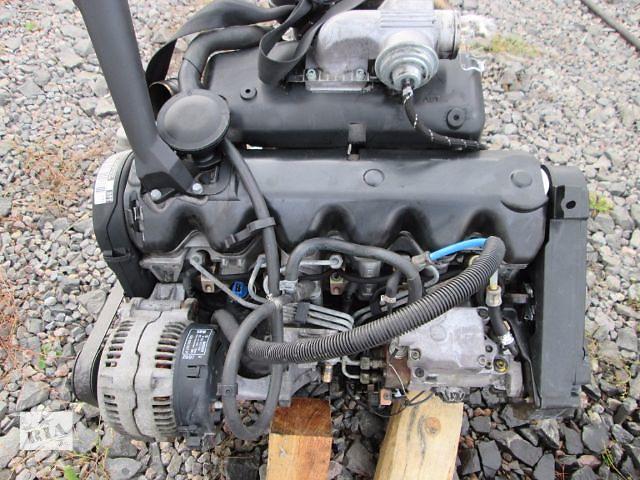 В простых, традиционных двигателях предусмотрена одна