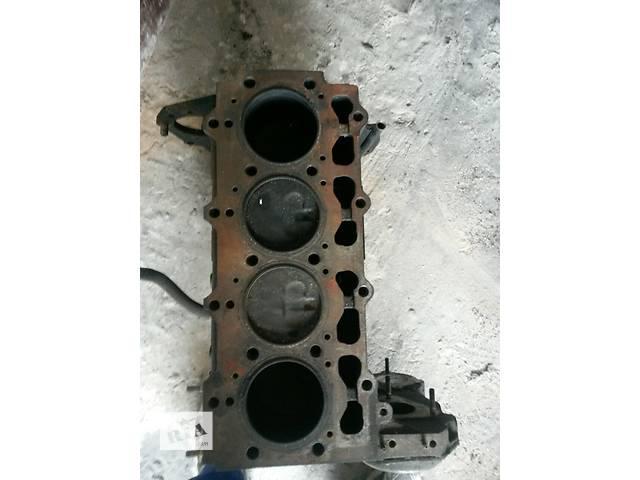 бу Б/у двигатель без головок для минивена Chrysler Voyager в Чопе