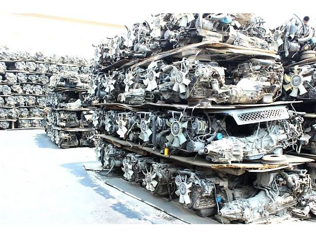 купить бу Б/у двигатель для кроссовера Toyota Sequoia II 2007- UCK60/USK60/UPK60 4.7/4.7 AWD/5.7/5.7 4WD 2UZ-FE,3UR-FE в Киеве
