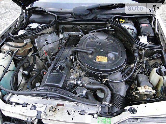 купить бу Б/у двигатель для легкового авто Mercedes 124 в Киеве