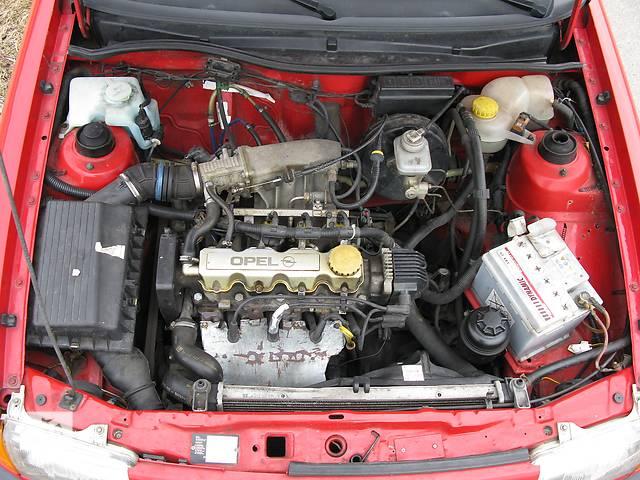бу Б/у двигатель для легкового авто Opel Astra 1.6 в Чопе