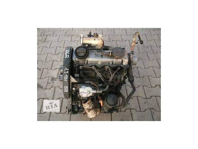 продам Б/у двигун для легкового авто Opel Vivaro 2.0 бу в Ужгороде