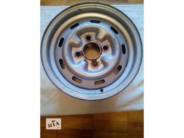 бу Б/у диск для легкового авто  радиус  13 4 с половиной дюйма в Киеве