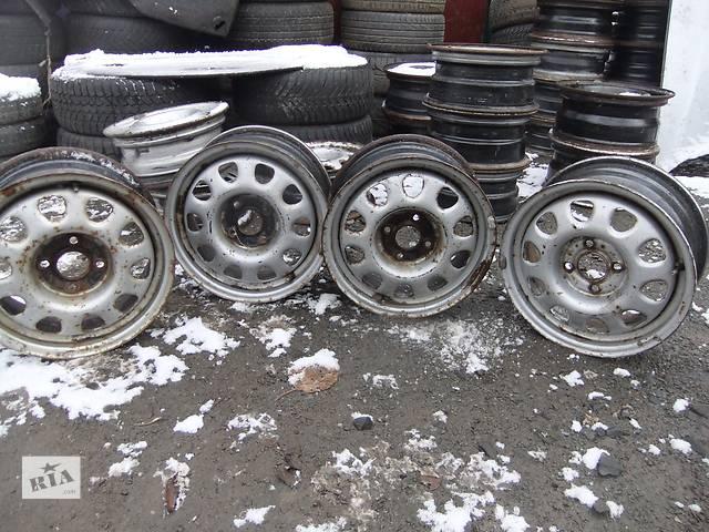 продам Б/у диск для легкового авто Volkswagen Passat бу в Ровно