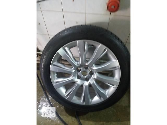 купить бу Б/у диск с шиной 275/45R21 для легкового авто Range Rover в Киеве