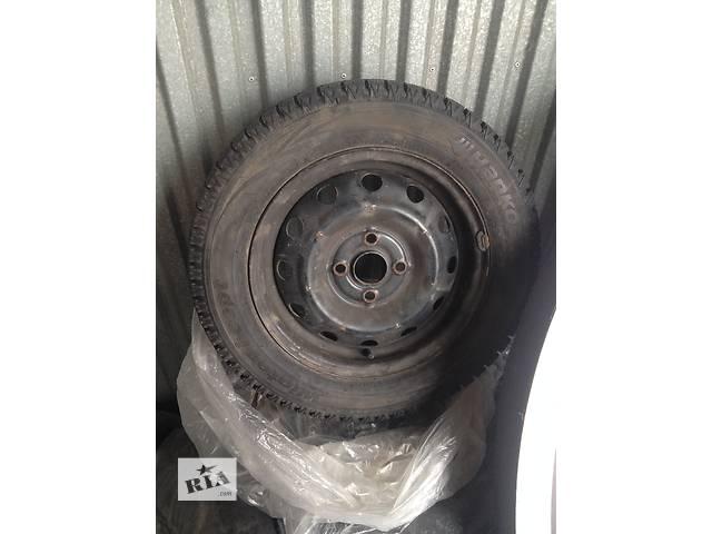 продам Б/у диск с шиной для хэтчбека Hyundai i10 бу в Киеве