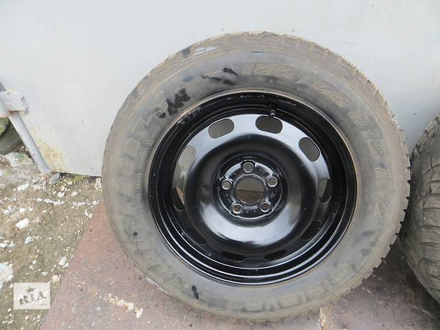 продам Б/у диск с шиной для хэтчбека Skoda Octavia бу в Сумах